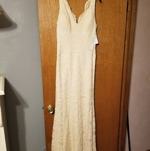 Nicole miller cream lace long dress size 4 nwt